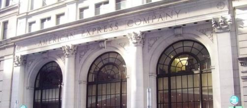 The American Express Company (NYSE: AXP) reported financial results this evening / Beyond My Ken, Wikimedia Commons, CC BY-SA 3.0