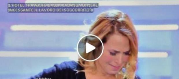 BarbaraDurso non riesce a trattenere le lacrime, live a Pomeriggio5.