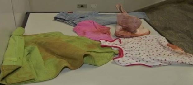 Imagem dos pertences da vítima, divulgada pelo WhatsApp