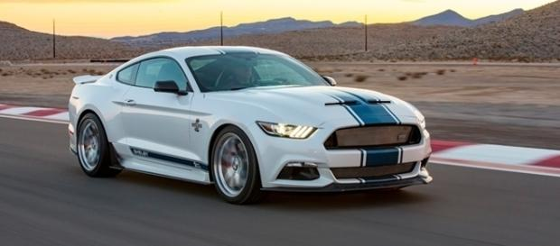 Shelby Super Snake 50th Anniversary Edition tem motor de 679 ou 760 cv