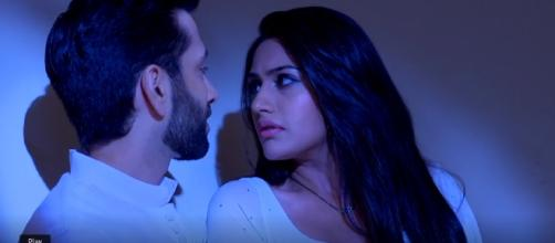 Shivaay and Anika get cozy (Youtube screen grab)