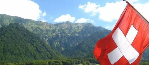 Svizzera, il reddito di base estratto a sorte