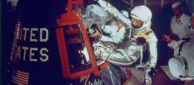 John Glenn enters Frienship 7 (NASA)