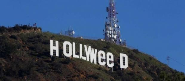 Vandalized Hollywood sign briefly reads 'HOLLYWeeD' - SFGate - sfgate.com