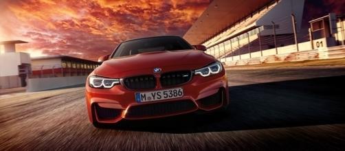 BMW M4 2017 passa a ser equipado com faróis de LED