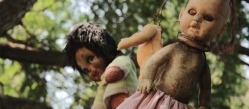 A Ilha das Bonecas, no México, tinha apenas um morador (Foto: Reprodução/Youtube)