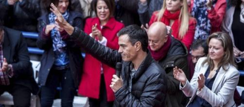 Pedro Sánchez en Xirivella (Valencia) el pasado noviembre (vía El Confidencial)