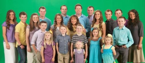 Promo photo of Duggar family from 19 Kids and Counting