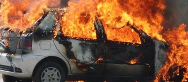Delegado diz que cantora foi queimada viva