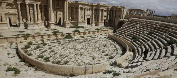 Einzigartige Mornumente wurden an Säulen zerstört