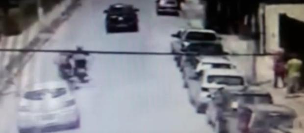Motoqueiro é arremessado para a morte em Campos do Jordão.