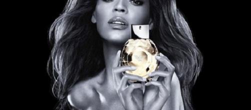 Cantora Beyoncé em seu anúncio mal sucedido