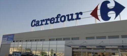 Carrefour chiude tre ipermercati e licenzia 500 persone
