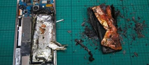 Galaxy Note 7 explosion on passenger jet may spur second Samsung ... - thenational.ae