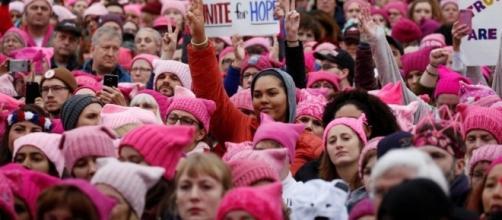 La marcia delle donne a Washington: 500 mila persone hanno protestato contro il presidente Donald Trump.