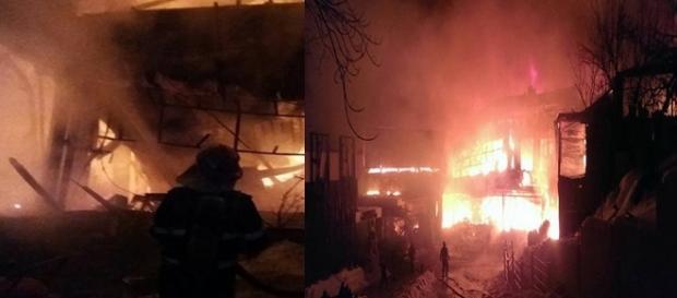 Imagini recente ale incendiului. Foto: ISU București