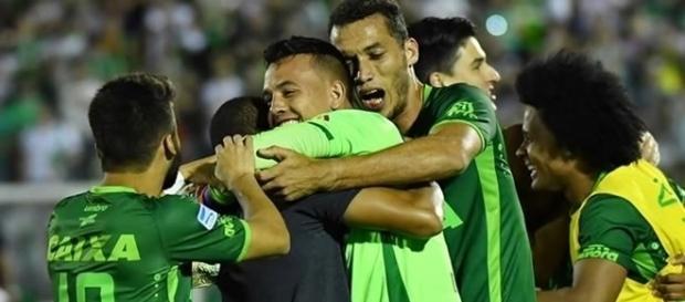 Jogo entre Chapecoense e Palmeiras acontece em Brasília.