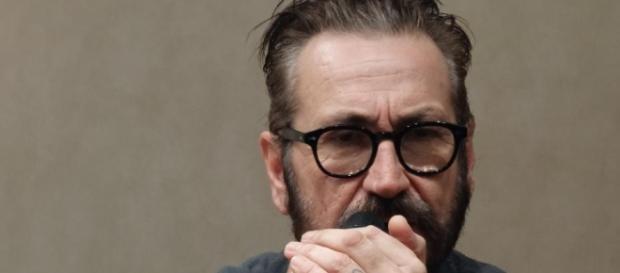 Marco Giallini interpreta Franco in Rimetti a noi i nostri debiti