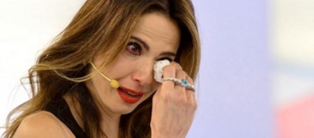 Luciana Gimenez chora na TV - Google