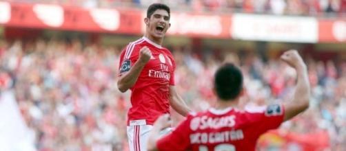 110915-Soccer-Benfica-Goncalo- ... - redlondon.net
