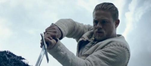 Charlie Hunnam Brings A Little Bit Of 'SOA's' Jax Teller To His ... - inquisitr.com