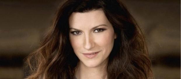 """Laura Pausini: """"Simili è una perla in mezzo al catrame che stiamo ... - arcinews.com"""