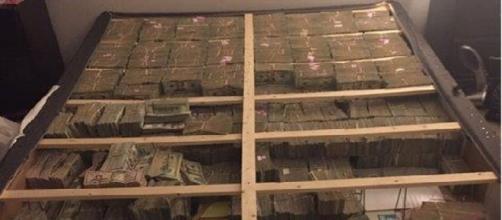Brasileiro é preso nos EUA com R$ 63,5 milhões debaixo do colchão