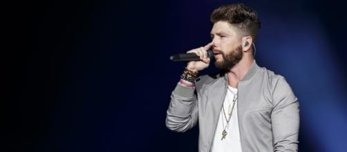"Chris Lane Marks ""The Bachelor"" Off His Bucket List 