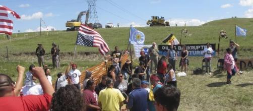 Clashes Halt Work on North Dakota Pipeline - WSJ - wsj.com