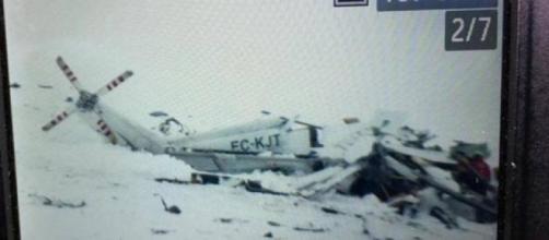 L'Aquila, elicottero del 118 precipita a Campo Felice: 6 persone a bordo