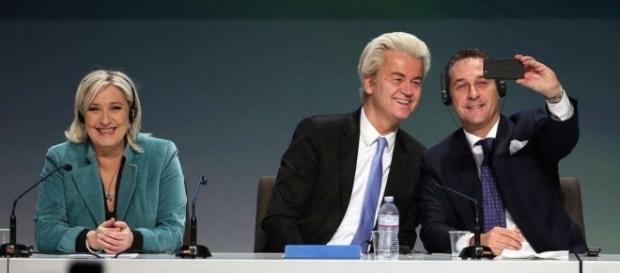 EU | Petry und Le Pen erstmals zusammen auf deutscher Bühne - geschichtedergegenwart.com