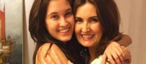 Filha de Fátima dá o que falar em fotos