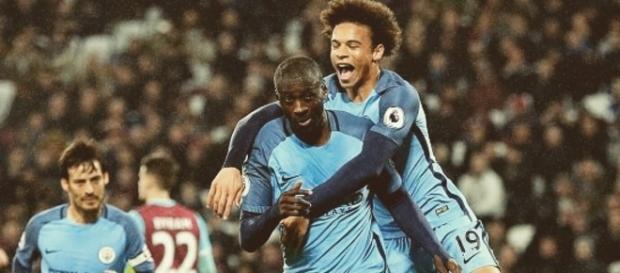 Leroy Sané comemorando o gol de pênali de Yaya Toure.