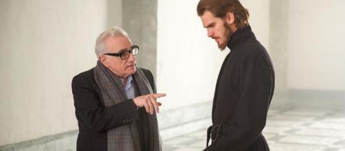 Scorsese dando instrucciones a Andrew Garfield, protagonista de Silencio (vía Hollywood Reporter)