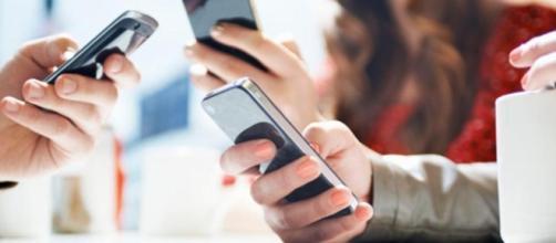 Smartphone, l'estensione delle braccia - rssing.com