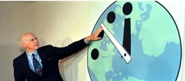 A última vez que o relógio ficou a 2min da meia-noite foi em 1953 (The Telegraph)