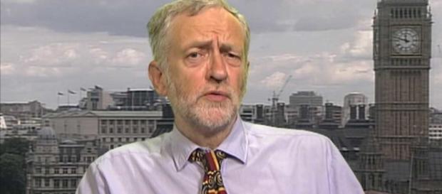 Il leader del partito laburista, Jeremy Corbyn - newsthump.com