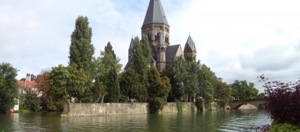Il Tempio Riformato di Metz si affaccia sulla Mosella