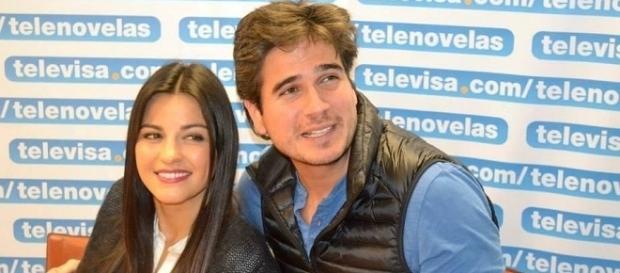 Maite Perroni e Daniel Arenas da novela do SBT