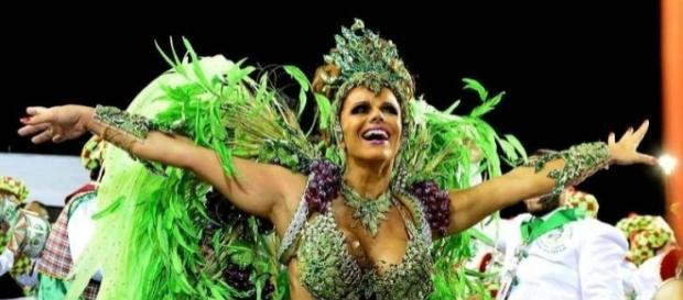 Viviane Araújo no carnaval de 2015 (Crédito da foto: R7)