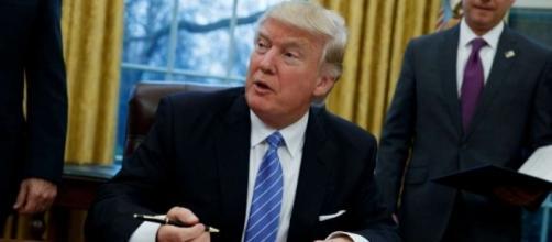 Trump pledges acts on wall, refugee ban - Times Union - timesunion.com
