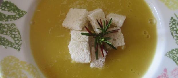 zuppa del contadino, ricca di vitamine e sali minerali