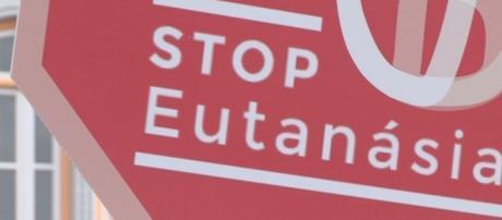 Movimento STOP Eutanásia em protesto