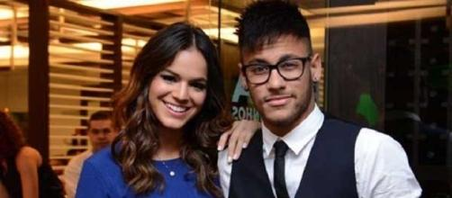 Neymar e Bruna Markezine juntos.