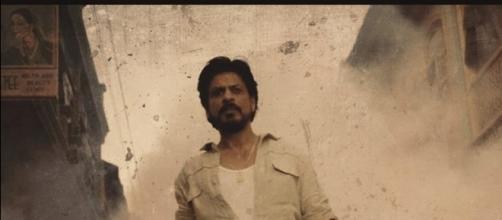 Shah Rukh Khan from 'Raees' (Image credits: Twitter.com/RaeesThefilm)