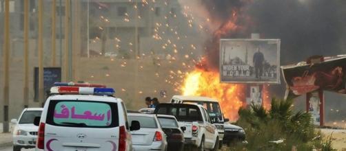 Una immagine di Tripoli nel 2015 quando l'ambasciata italiana venne chiusa