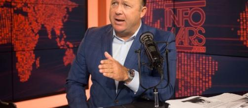 White House denies offering Infowars credentials | TheHill - thehill.com