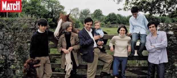 """Les enfants Fillon en 2010. """"Comment font-ils pour résister aux tentations de la vie publique ?'' (Paris-Match)"""