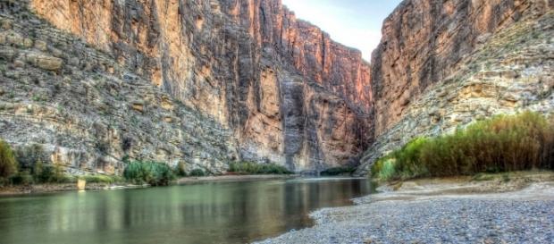 US border big bend Texas, archbob, pixabay.com CC0