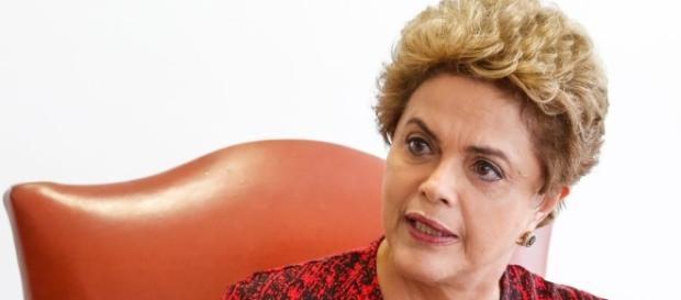 Dilma se defendeu em discurso na Itália